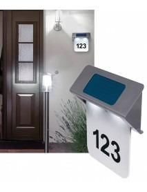 LED Solar Hausnummernleuchte mit Schutzklasse IP44 und integrierten Tag / Nachtsensor
